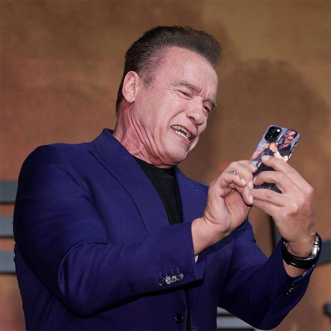 Arnold Schwarzenegger dùng ốp lưng iPhone 11 Pro bị cư dân mạng chế ảnh - Ảnh 4.