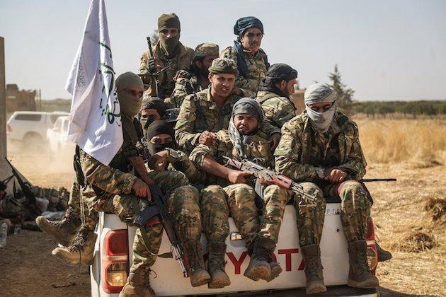 CẬP NHẬT: Tên lửa TOW nã thẳng vào xe tăng T-62 của QĐ Syria - TT Trump cáo buộc Nga đang đi trên con đường giết chóc - Ảnh 5.