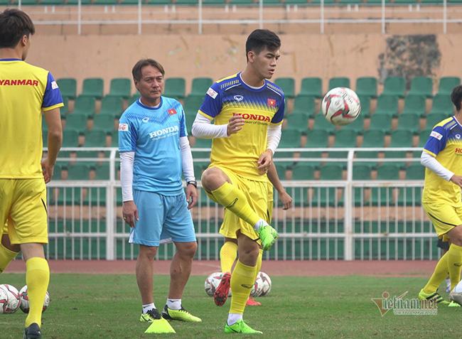U23 Việt Nam trước ngày lên đường: Thầy Park phát cáu với thủ môn - Ảnh 2.