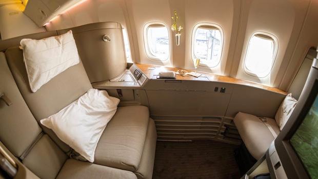 """10 chuyến bay đắt đỏ bậc nhất thế giới chỉ dành cho hội siêu giàu, nhìn ảnh thôi cũng tự thấy mình """"nghèo khổ"""" ghê! - Ảnh 11."""