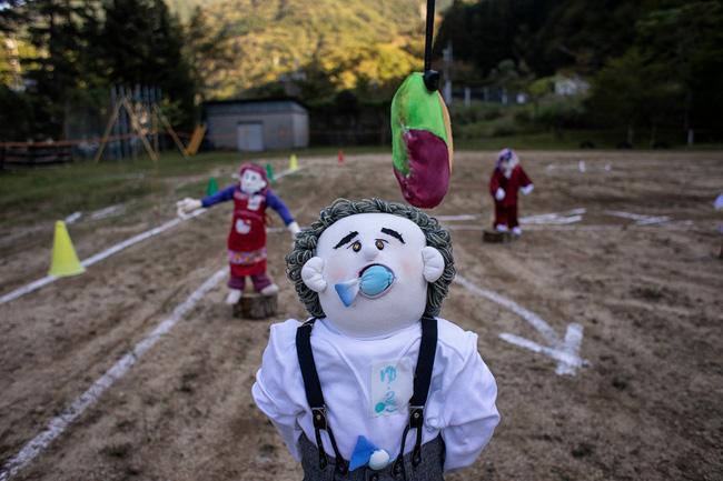 Ngôi làng vắng bóng trẻ thơ tại Nhật Bản: 18 năm không có một đứa trẻ nào ra đời, số búp bê nhiều gấp 10 lần số dân làng - Ảnh 12.