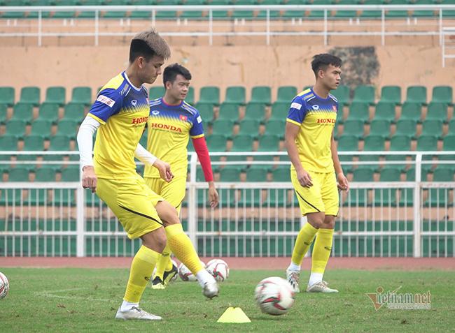 U23 Việt Nam trước ngày lên đường: Thầy Park phát cáu với thủ môn - Ảnh 4.