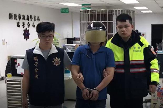 Một công nhân Việt Nam bị bắt giữ tại Đài Loan với cáo buộc cố gắng giết người, ném cụ bà 79 tuổi xuống cầu sau khi gây ra vụ tai nạn xe - Ảnh 4.