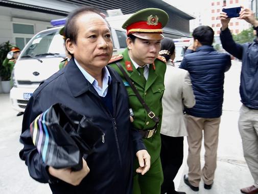 Tuyên án vụ MobiFone mua AVG: Ông Nguyễn Bắc Son bị tuyên án chung thân, Trương Minh Tuấn 14 năm tù - Ảnh 13.