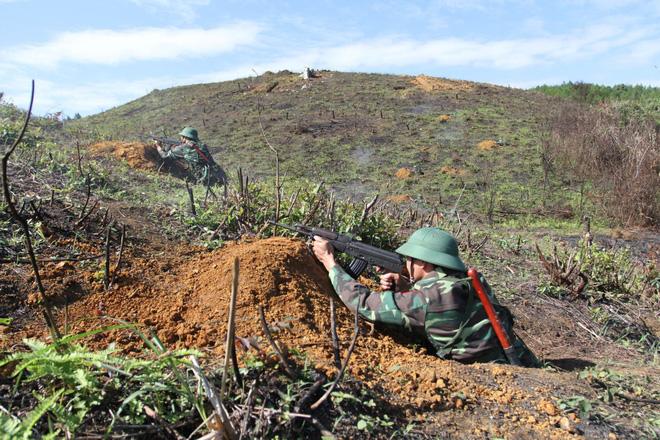Chiến trường K: Trinh sát Polpot bất ngờ mò vào chỉ huy sở - Tử chiến nghẹt thở bằng súng ngắn - Ảnh 4.