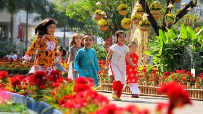 Học sinh Hà Nội được nghỉ Tết Nguyên đán Canh Tý 8 ngày - Ảnh 1.