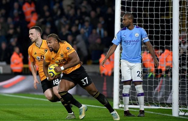 Thua ngược dù dẫn 2-0, Manchester City giương cờ trắng trong cuộc đua vô địch Ngoại hạng Anh - Ảnh 5.