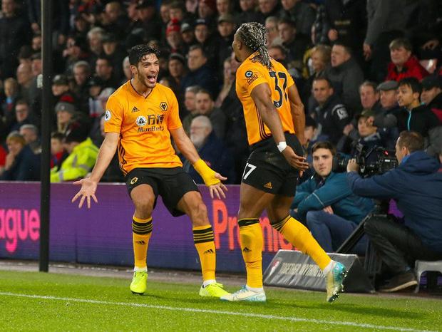 Thua ngược dù dẫn 2-0, Manchester City giương cờ trắng trong cuộc đua vô địch Ngoại hạng Anh - Ảnh 6.