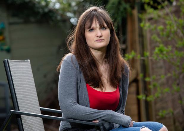 Người phụ nữ bỏ ăn bỏ uống, ám ảnh kinh hoàng vì bị hack camera giám sát trong nhà, nhất cử nhất động bị theo dõi - Ảnh 1.