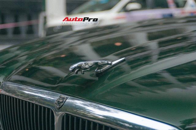 Jaguar XJ hơn 25 năm tuổi siêu hiếm xuất hiện tại Hà Nội, tình trạng xe khiến nhiều người ngạc nhiên - Ảnh 4.