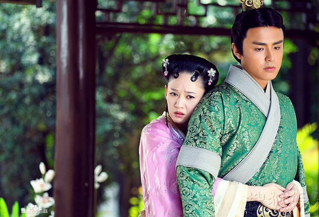 10 tình trẻ màn ảnh của Trần Kiều Ân: Người tài hoa bạc mệnh, kẻ bị 'cắm sừng' đầy đau đớn - ảnh 2