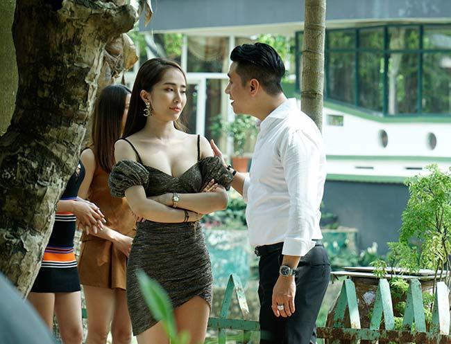 Quỳnh Nga thừa nhận nâng ngực để tự tin mặc gợi cảm - Ảnh 3.