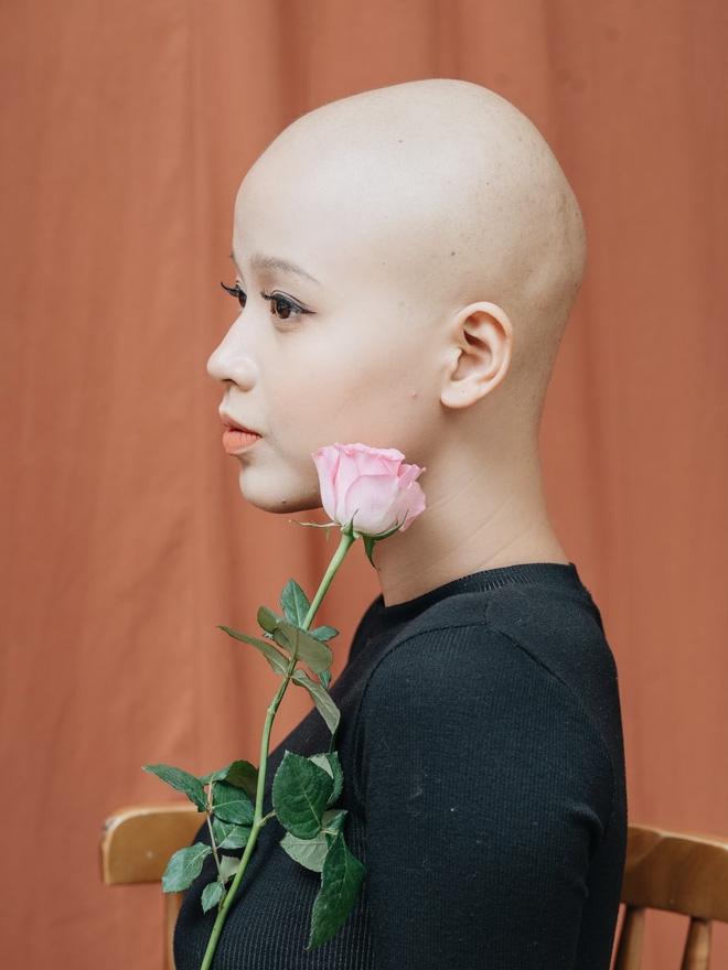 Nữ sinh Ngoại thương mắc ung thư vú lột xác đầy bất ngờ trong bộ ảnh Chung kết Duyên dáng Ngoại thương 2019 - Ảnh 6.