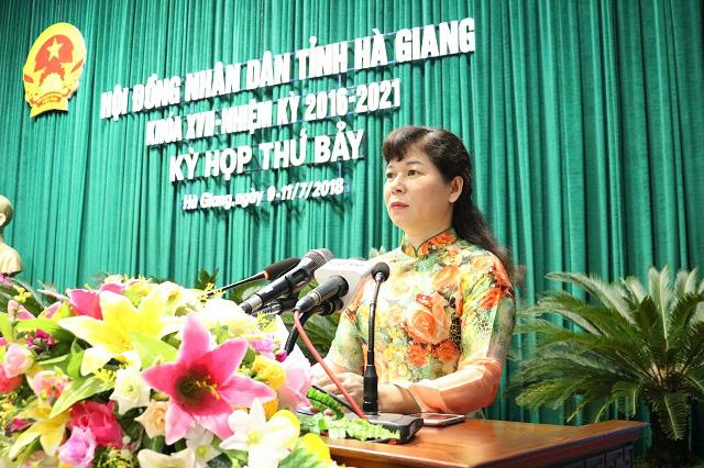 Vụ gian lận điểm thi ở Hà Giang: Vợ ông Triệu Tài Vinh bị kỷ luật khiển trách - Ảnh 1.