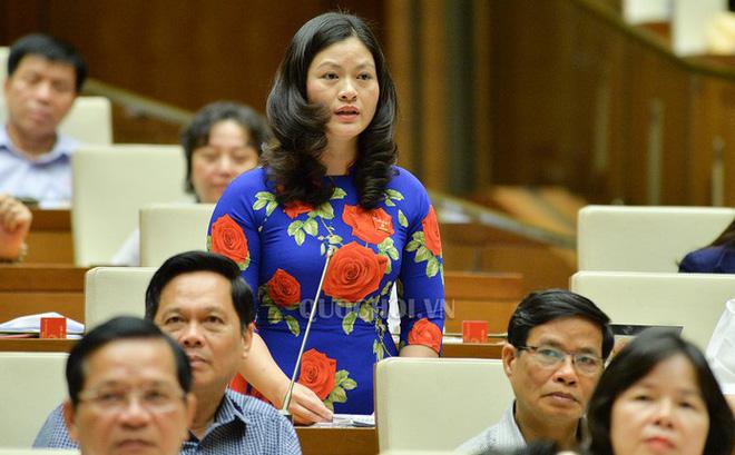 Vụ gian lận điểm thi ở Hà Giang: Vợ ông Triệu Tài Vinh bị kỷ luật khiển trách - Ảnh 2.