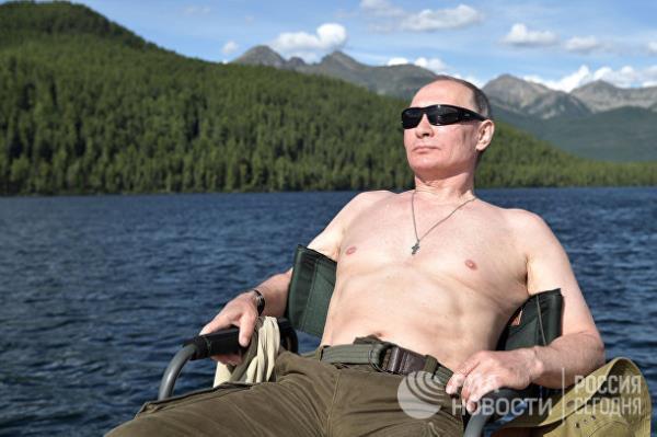 20 năm cầm quyền và những bức ảnh đậm chất Putin - Ảnh 19.
