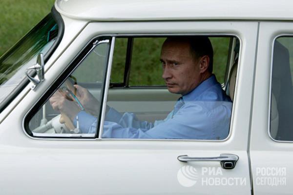 20 năm cầm quyền và những bức ảnh đậm chất Putin - Ảnh 6.