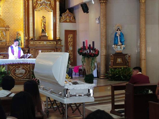 Chuyện tình đẫm nước mắt của chàng trai mất người yêu ngay trước thềm hôn lễ, ngày cưới cũng là ngày đám tang của cô dâu - Ảnh 8.
