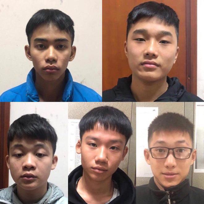 Bắt nhóm thanh niên cầm dao diễu hành cướp tài sản ở Long Biên - Ảnh 1.