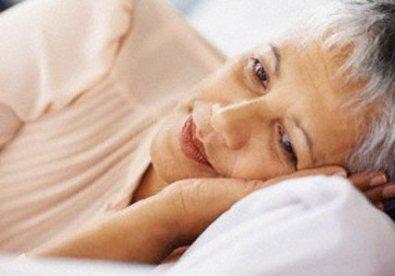 Bài thuốc chữa mất ngủ ở người luống tuổi - Ảnh 1.