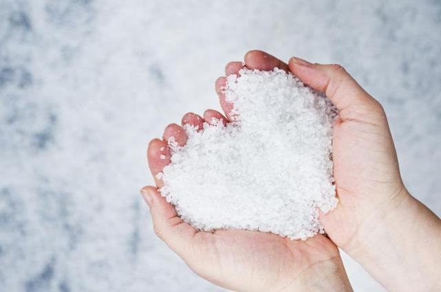Ăn muối ra sao để vừa tốt cho sức khỏe, lại tránh rước bệnh vào người? - Ảnh 1.