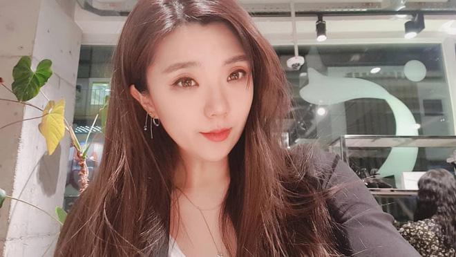 Góc khuất cuộc đời Kim Soo Hyun: Mẫu nội y thành tài tử đắt giá, khổ sở vì người nhà và chuyện cô em gái cùng cha khác mẹ - Ảnh 18.