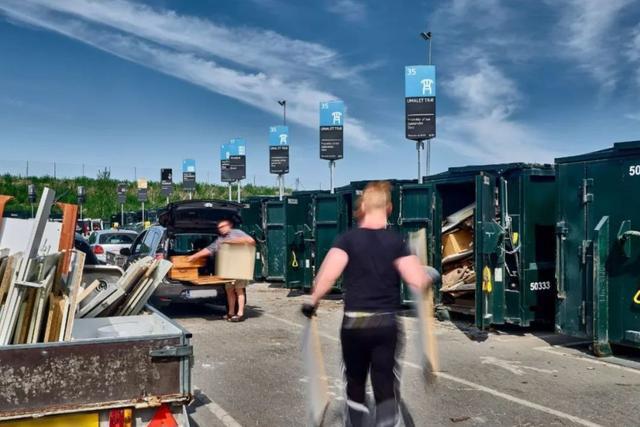 Nhà máy đốt rác ở Đan Mạch xịn tới mức cho dân địa phương trèo lên nóc để trượt tuyết, leo núi, vui chơi - Ảnh 16.