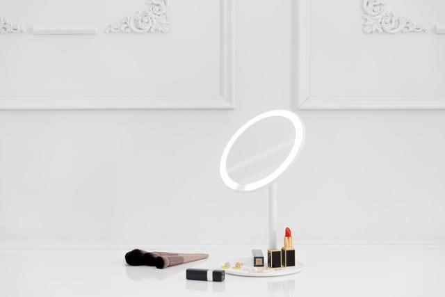 Xiaomi ra mắt gương trang điểm tích hợp đèn LED, cổng USB-C - Ảnh 5.