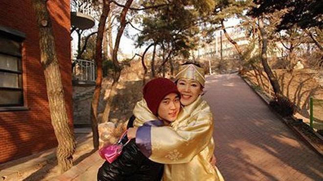 Góc khuất cuộc đời Kim Soo Hyun: Mẫu nội y thành tài tử đắt giá, khổ sở vì người nhà và chuyện cô em gái cùng cha khác mẹ - Ảnh 8.