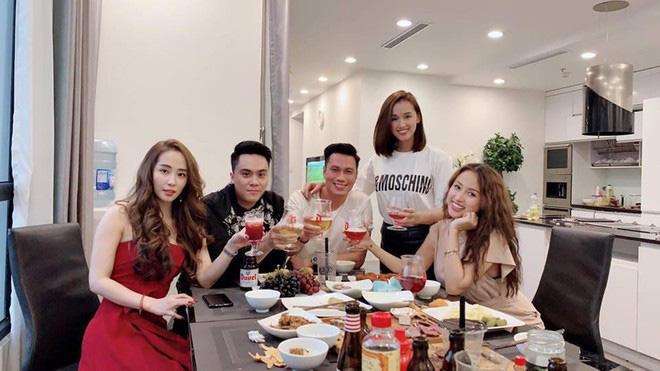 Hậu ly hôn vợ 2, Việt Anh bất ngờ đăng ảnh một cô gái nóng bỏng, nhiều người đoán là Quỳnh Nga - Ảnh 3.