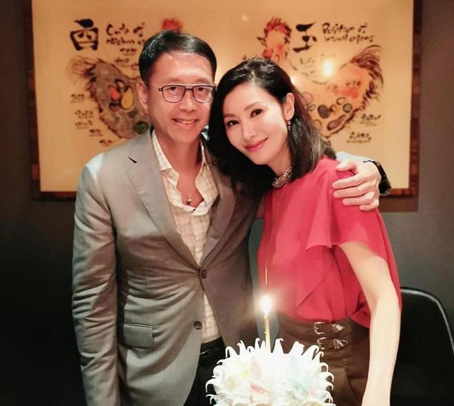 Hoa hậu đẹp nhất lịch sử Hong Kong: Bỏ tài tử nổi tiếng, lao vào các cuộc tình vật chất với đại gia - Ảnh 12.