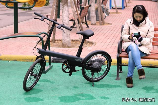 Xiaomi ra mắt xe đạp điện trợ lực sang chảnh, giá chỉ 425 USD - Ảnh 1.