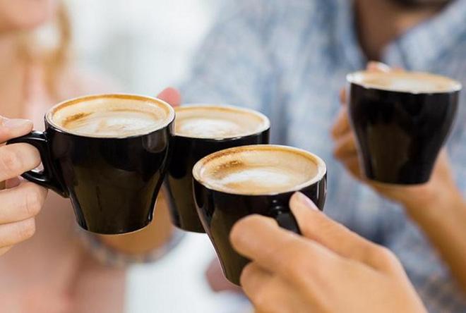 Chúng ta đang vô tư uống cà phê nhiều tới mức máu hiến tặng cũng chứa rất nhiều caffein - Ảnh 3.