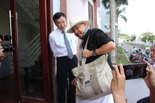 Tòa cho ông Vũ, bà Thảo ly hôn. 4 con do bà Thảo nuôi, ông Vũ cấp dưỡng mỗi năm 10 tỷ đồng - Ảnh 1.