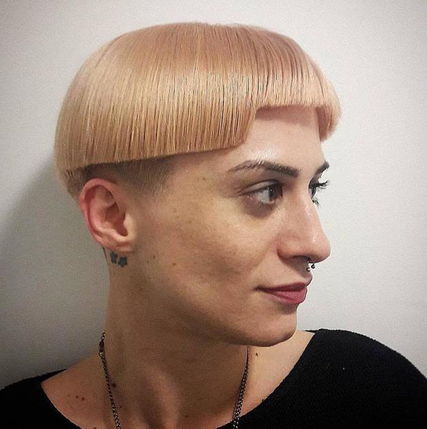 20 kiểu đầu độc dị chứng minh đừng ai dại mà làm phật lòng anh thợ cắt tóc những khi muốn thay đổi diện mạo mới - Ảnh 1.