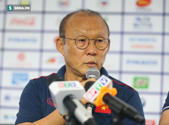 HLV Park Hang-seo kém vui khi bị chất vấn có hay không việc lén do thám đối thủ SEA Games - Ảnh 1.