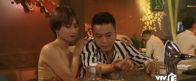 Khán giả phì cười vì sạn vô lý trong phim Hoa hồng trên ngực trái tập 36 - Ảnh 5.