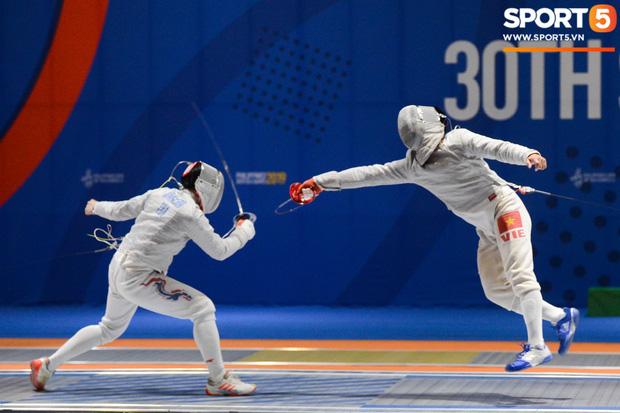 Bất chấp Thái Lan giở chiêu trò, nam thần đấu kiếm Vũ Thành An cùng đồng đội vẫn giành tấm huy chương vàng thứ 3 tại SEA Games 30 - Ảnh 11.