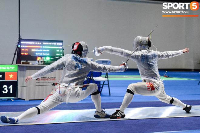 Bất chấp Thái Lan giở chiêu trò, nam thần đấu kiếm Vũ Thành An cùng đồng đội vẫn giành tấm huy chương vàng thứ 3 tại SEA Games 30 - Ảnh 17.