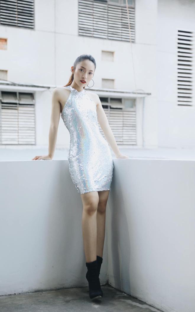 Bắn vèo vèo 4 ngoại ngữ trên thảm đỏ phỏng vấn loạt nghệ sĩ Quốc tế, Khánh Vy được dân mạng khen ngợi hết lời - Ảnh 5.