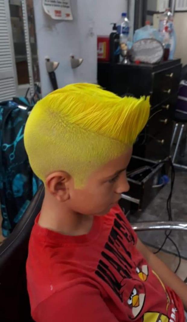 20 kiểu đầu độc dị chứng minh đừng ai dại mà làm phật lòng anh thợ cắt tóc những khi muốn thay đổi diện mạo mới - Ảnh 6.