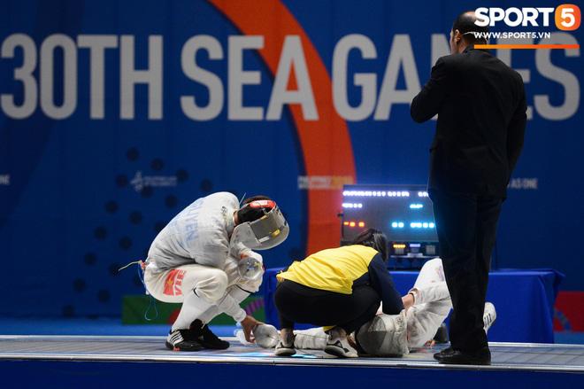Bất chấp Thái Lan giở chiêu trò, nam thần đấu kiếm Vũ Thành An cùng đồng đội vẫn giành tấm huy chương vàng thứ 3 tại SEA Games 30 - Ảnh 7.