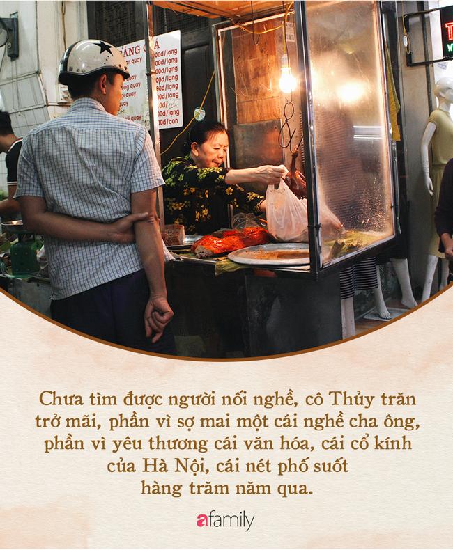 Bí mật thành công của hàng thịt quay lâu đời nhất Hà Nội, hơn 50 năm vẫn khiến khách xếp hàng dài như trẩy hội mỗi chiều - Ảnh 10.