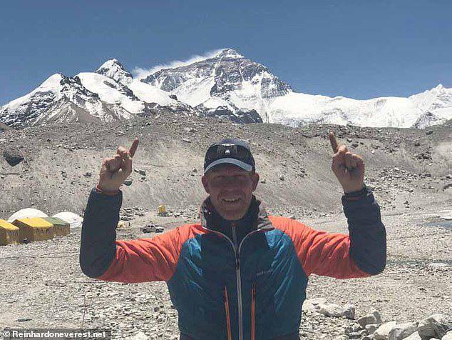 Giấc mơ bị bỏ lại giữa sự hãi tột cùng, hỗn loạn trên đỉnh Everest - Ảnh 1.