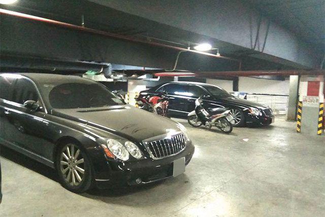 Xót xa nhìn loạt xe Mercedes-Benz đắt đỏ bị vứt xó ở Hà Nội - Ảnh 4.