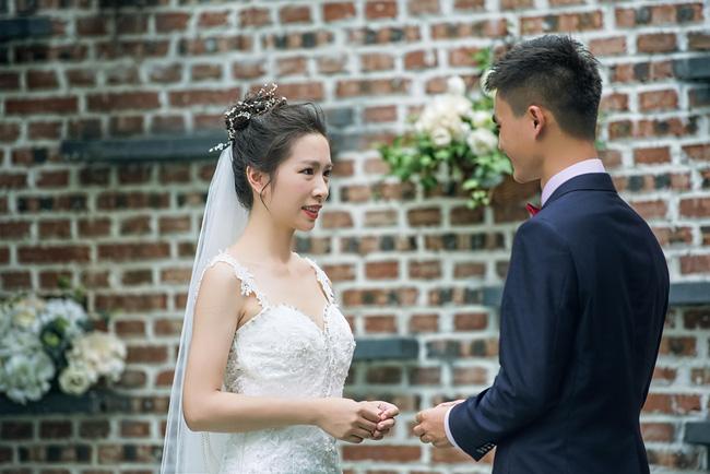 Cô dâu đáng thương bị người cũ đến làm loạn đám cưới nhưng hiểu đầu đuôi câu chuyện khách khứa lại nhao nhác: Chú rể hủy hôn ngay còn kịp - Ảnh 3.
