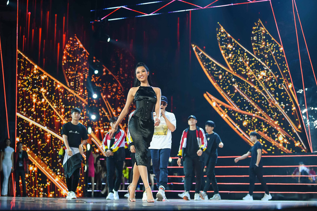 Hé lộ màn trình diễn đêm chung kết Hoa hậu Hoàn vũ Việt Nam 2019 trước giờ G - ảnh 6