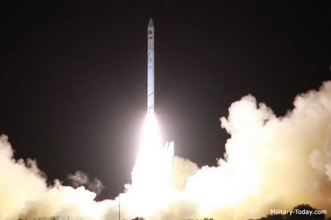 Iran tăng mức báo động sau khi Israel thử tên lửa bí ẩn - Ảnh 10.