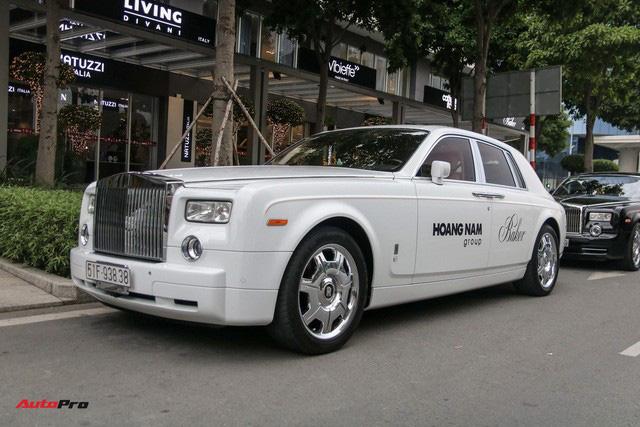 Dàn xe siêu sang trị giá gần 100 tỷ đồng tụ họp trước showroom của bạn thân ông trùm chân dài Vũ Khắc Tiệp - Ảnh 4.