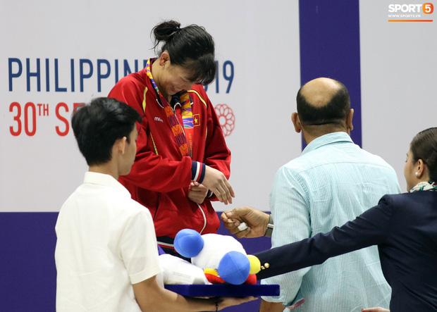 Mặt buồn xo nhận HCV thứ 5 tại SEA Games 2019, Ánh Viên bị nhắc nhở - Ảnh 6.